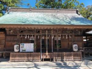 蚕養国神社、拝殿