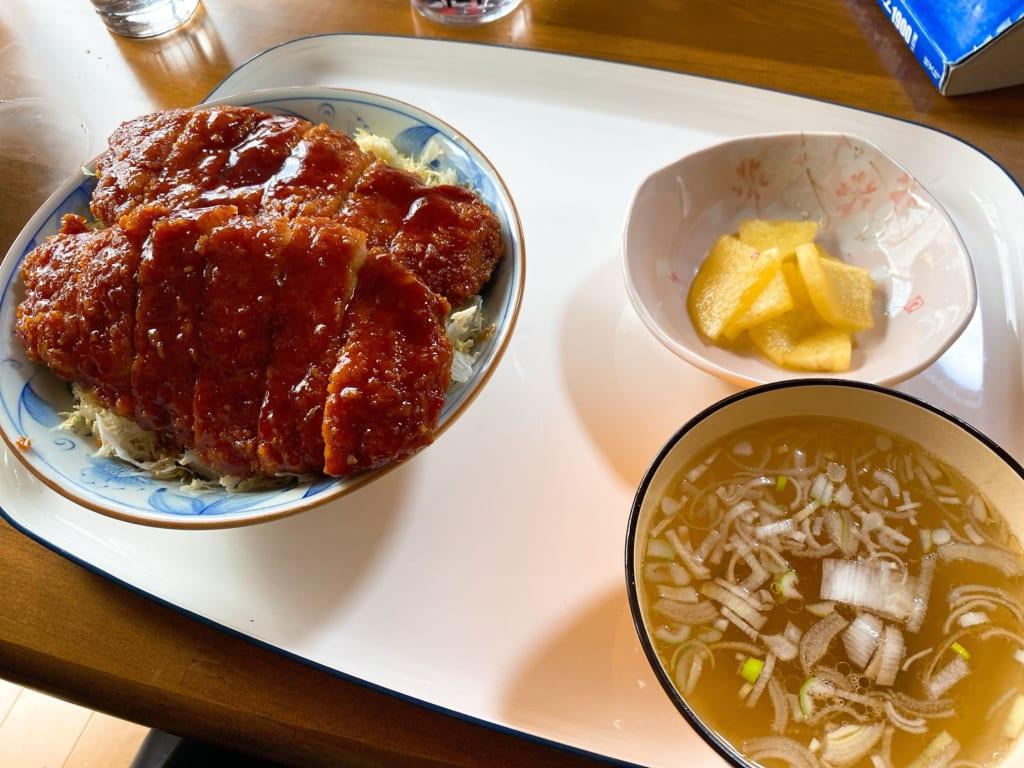 ソースカツ丼、カツ二枚