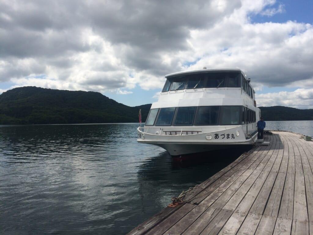 [裏磐梯]桧原湖の遊覧船