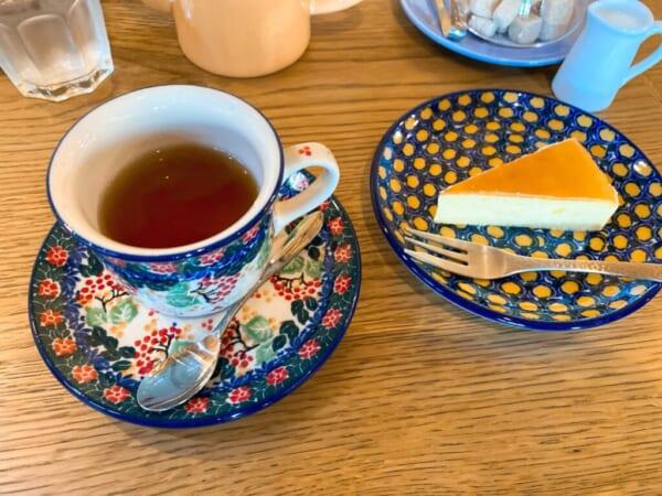 蕎麦カフェ ファットリア こもと ダージリンティと柚子のベイクドチーズケーキ