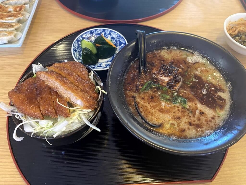 らーめん お食事処 あおやま ラーメンセット(豚骨ラーメン、ミニソースカツ丼)