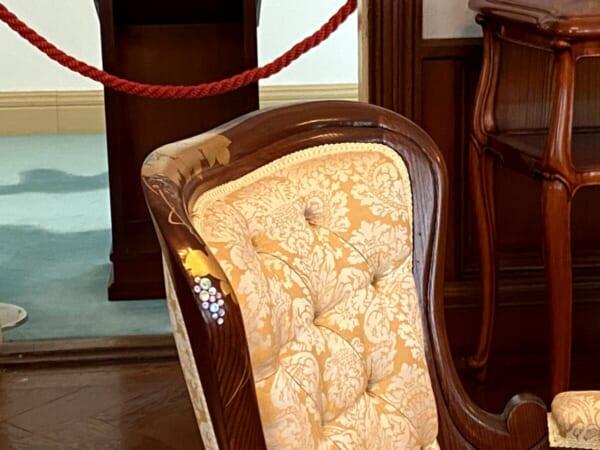 天鏡閣 客間、椅子