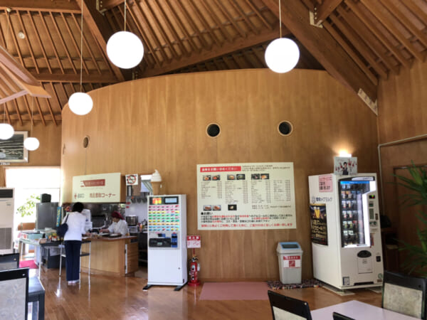 ロータスイン 休憩所の軽食コーナー
