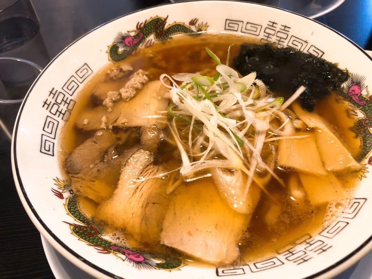 空山NEO 空(そら):醤油ラーメン
