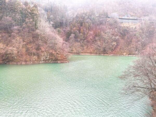 昭和村 雪まつり 車窓、只見川