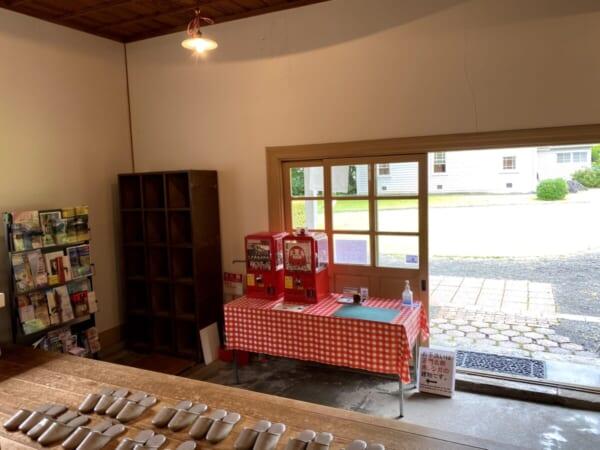 天鏡閣 お土産物売り場、戸口