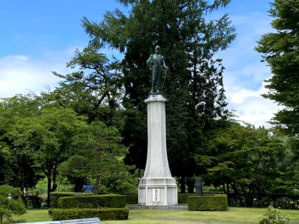 天鏡閣 有栖川宮威仁親王 銅像