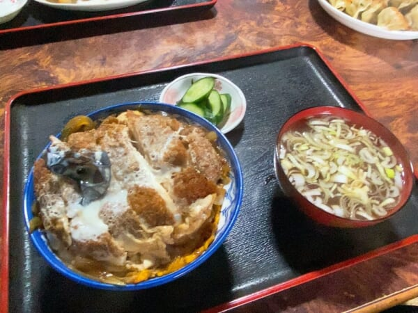中華飯店 利喜(としき) 煮込みカツ丼