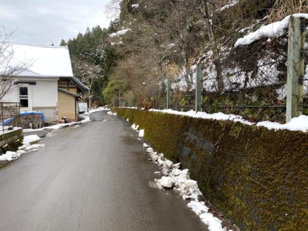 相川観音 駐車場への道