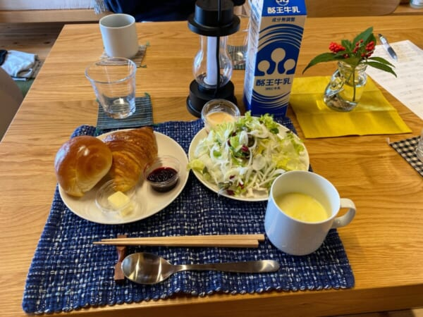 一棟貸ヴィレッヂ かわべり棟 朝食のパンセット