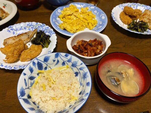 タケノコご飯とアサリの味噌汁、車麩のカツ
